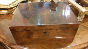 Scatola porta oggetti in legno di mogano  con cassetto laterale, fine '800