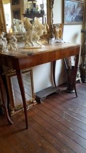 Consolle direttorio senese in legno di ciliegio con piano in marmo giallo