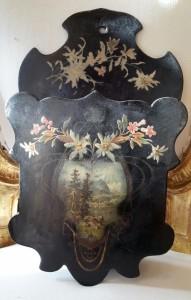 Contenitore in legno laccato con paesaggio montano primi '900